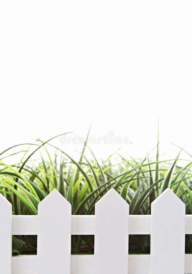 Biały palika ogrodzenie odizolowywający na bielu obraz stock