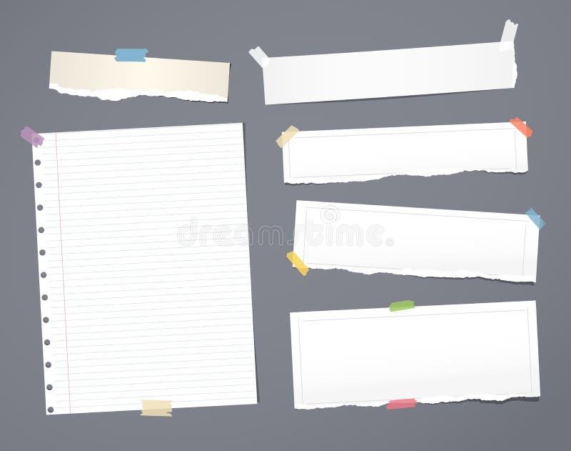 Biały pasiasty nutowy papier, copybook, notatnika prześcieradło wtykał z adhezyjną taśmą na zmroku - szary tło royalty ilustracja