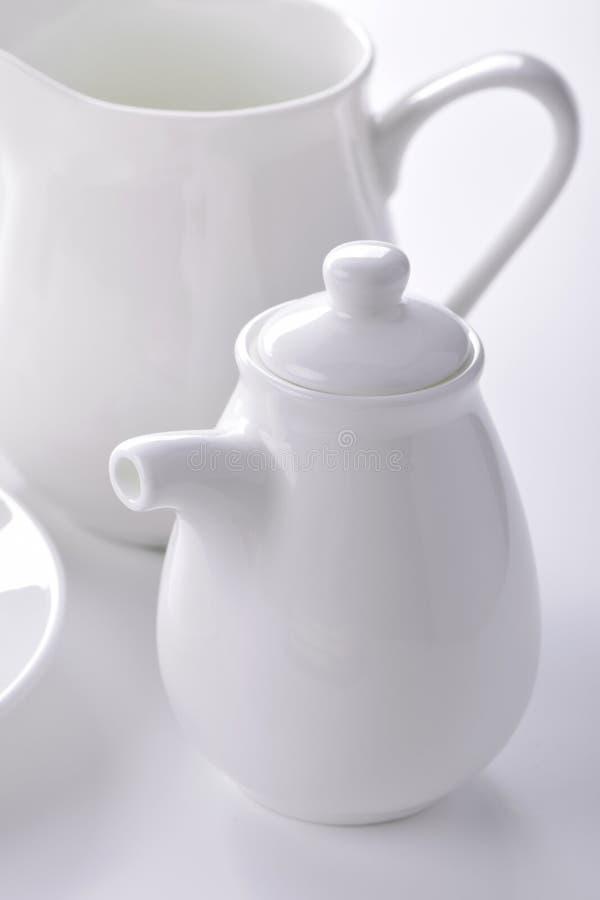 Biały porcelana creameru i sauceboat zakończenie fotografia stock
