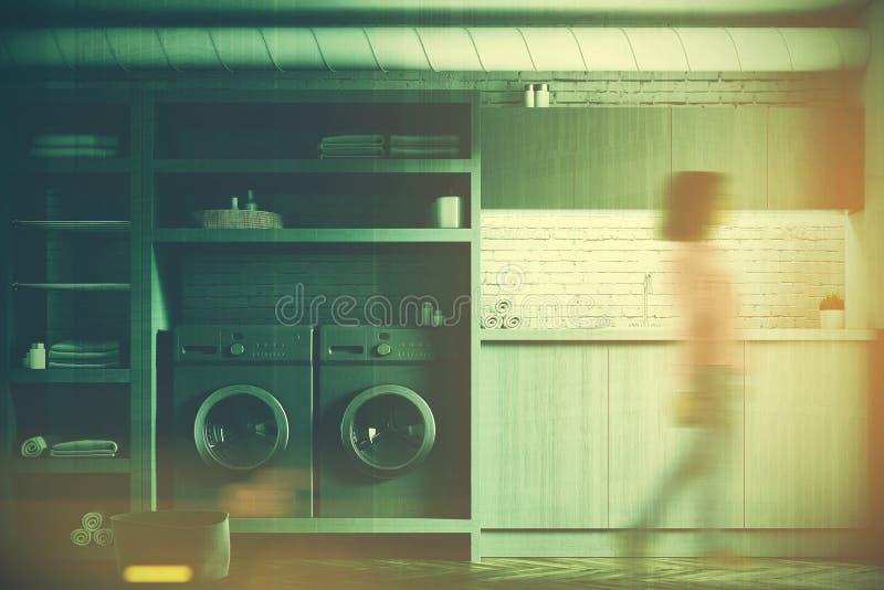 Biały pralniany pokój, szare pralki, dziewczyna royalty ilustracja