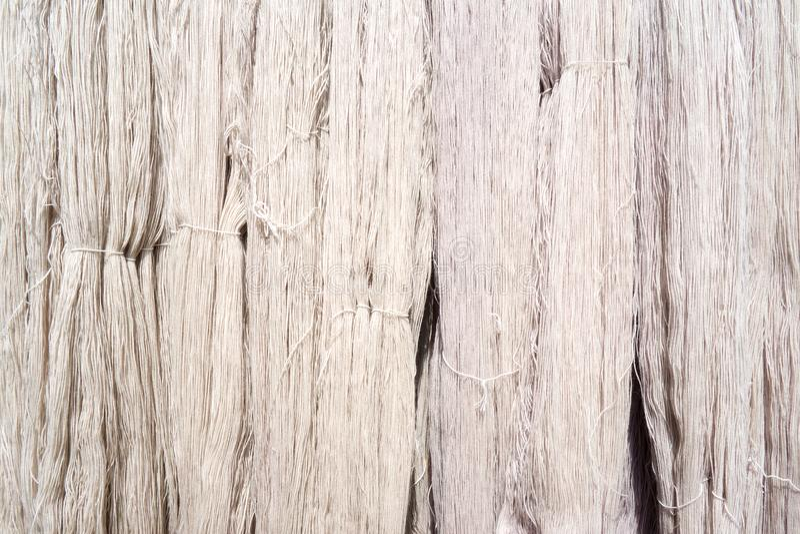 Biały Surowy Jedwabniczy Niciany tło obraz stock