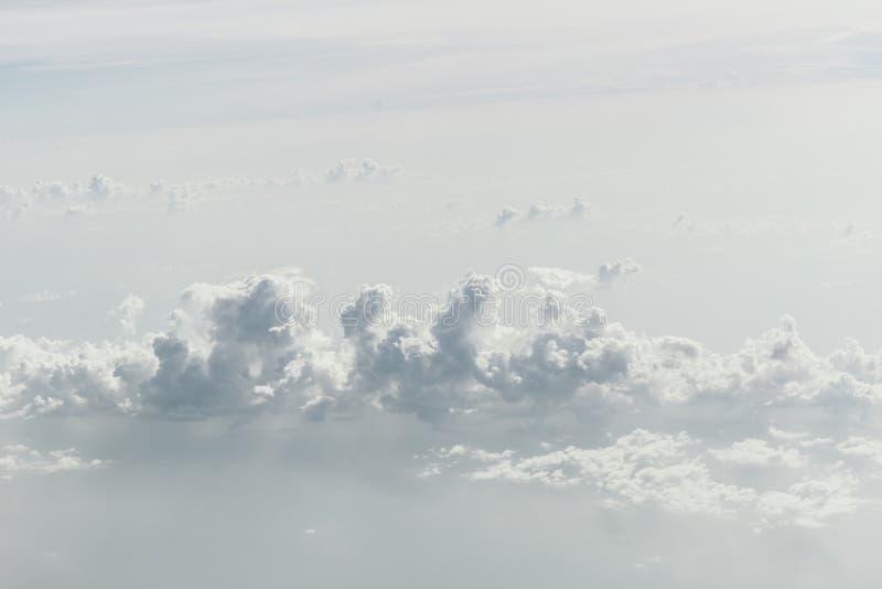 Biały szarości chmury nieba niebo zdjęcie royalty free