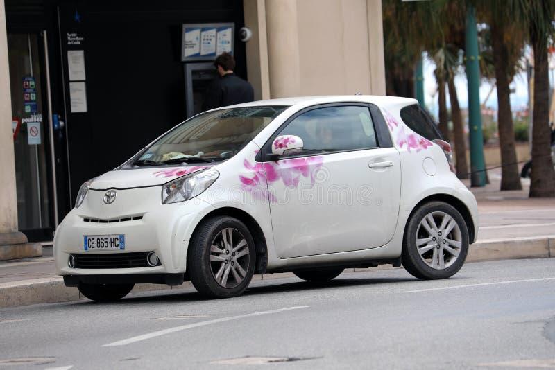 Biały Toyota iQ zdjęcie stock