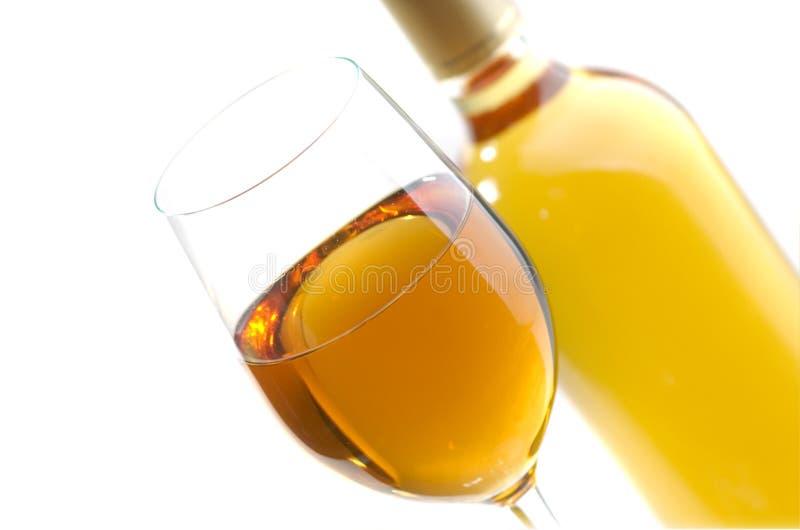 Download Biały wino zdjęcie stock. Obraz złożonej z zaciemnia - 13332502