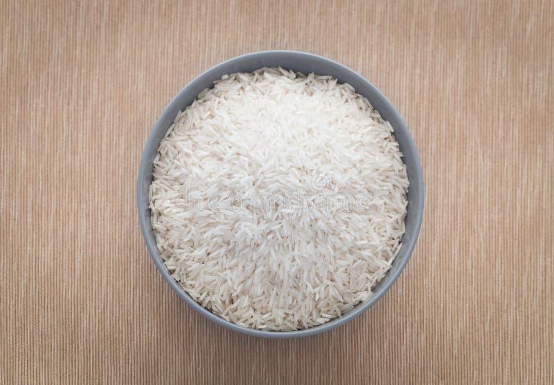 Biali ryż w pucharze obraz stock