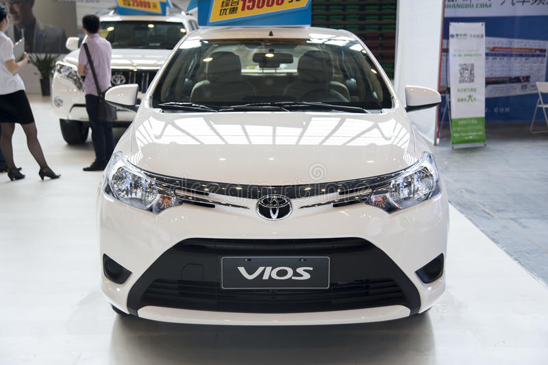 biali Toyota vios samochodowi fotografia royalty free