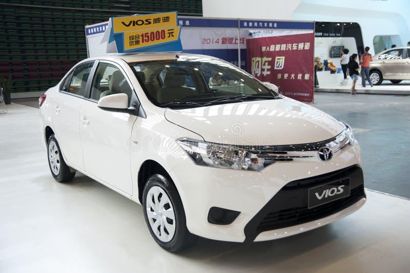 biali Toyota vios samochodowi zdjęcia stock