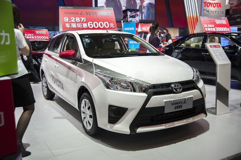 Biali Toyota yaris samochodowi zdjęcie royalty free