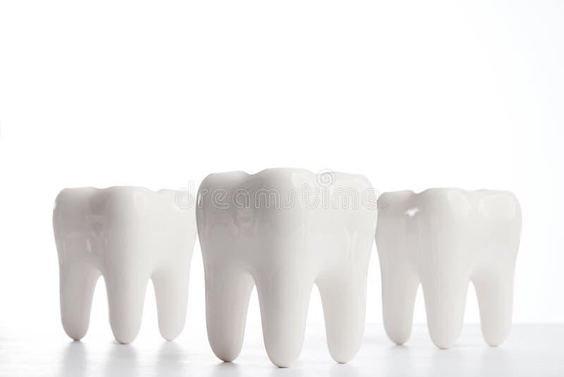 Biali zęby nad białym tłem obrazy stock