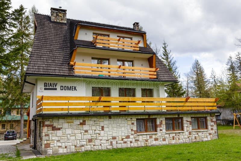 Bialy Domek, сделанное пансиона кирпича стоковое фото