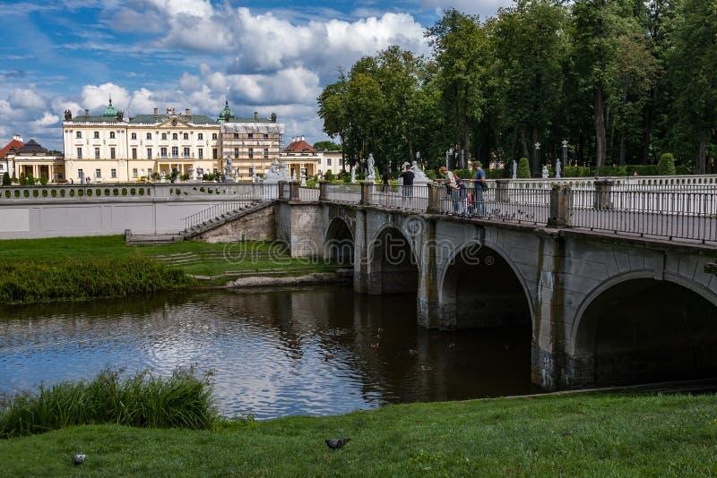 Bialystok, Polen, 16 Juli, 2016: Tuinen van het paleis Branicki stock afbeelding