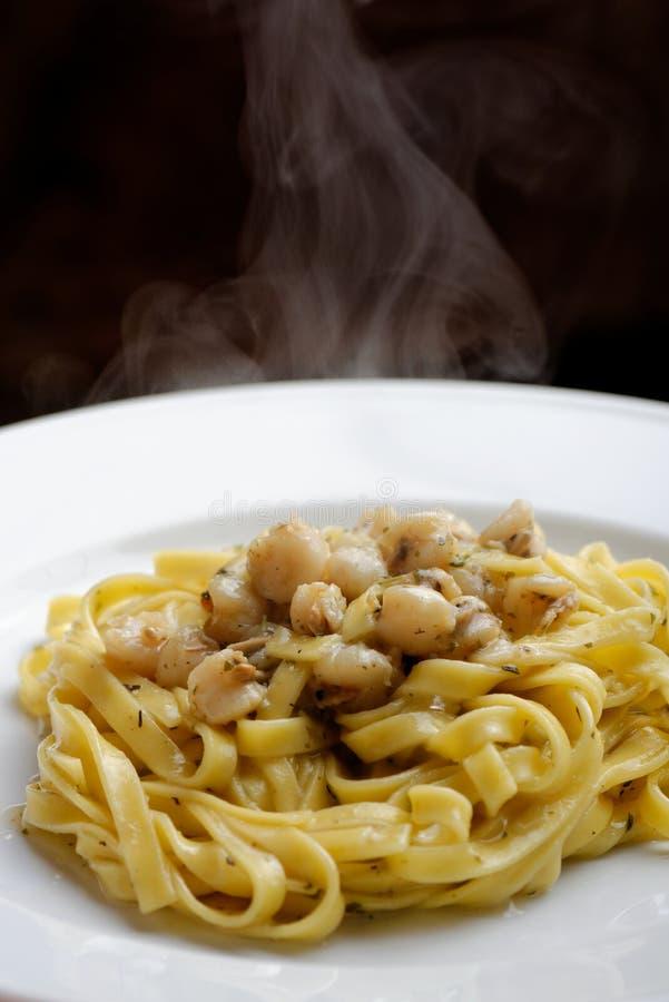 Bianco do vongole do alla do Linguine, culinária italiana fotos de stock