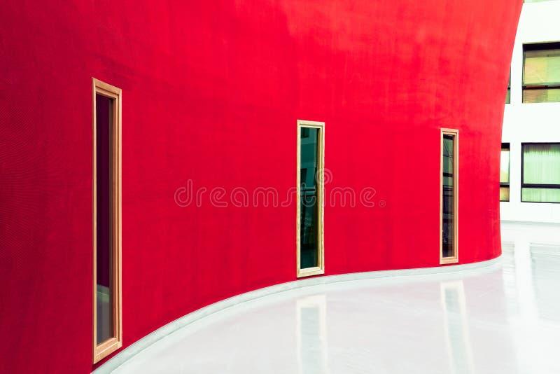 Bianco e colore rosso immagini stock