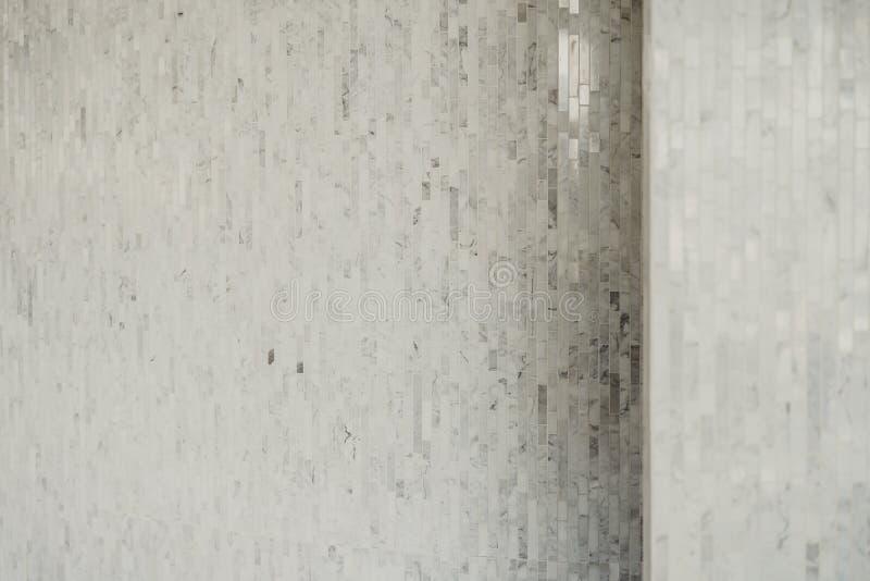 Bianco e grigio la foto reale di alta risoluzione della parete delle mattonelle fotografie stock