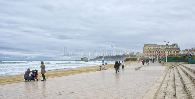 Strand in Biarritz, Frankreich lizenzfreies stockbild