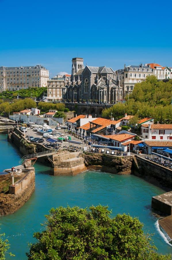 Biarritz - kyrka och axel fotografering för bildbyråer