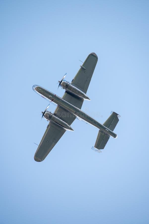 BIAS toont de internationale lucht van Boekarest, NOORDAMERIKAANS B-25J vliegend de stierenteam van ` MITCHELL ` stock foto's