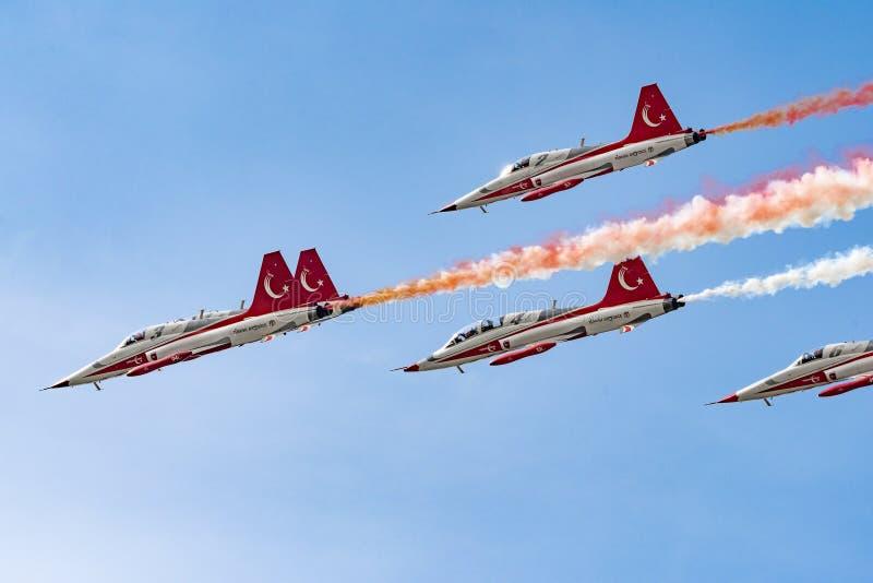 BIAS toont de internationale lucht van Boekarest, Turkse het teamdemonstratie van de SterrenLuchtmacht stock afbeelding