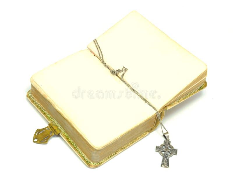 Bibbia con la traversa immagini stock libere da diritti
