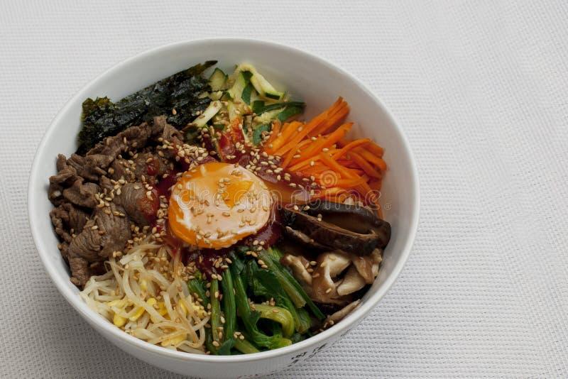 Bibimbab; Koreanska blandade ris fotografering för bildbyråer