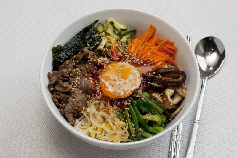 Bibimbab; Koreanska blandade ris arkivfoton