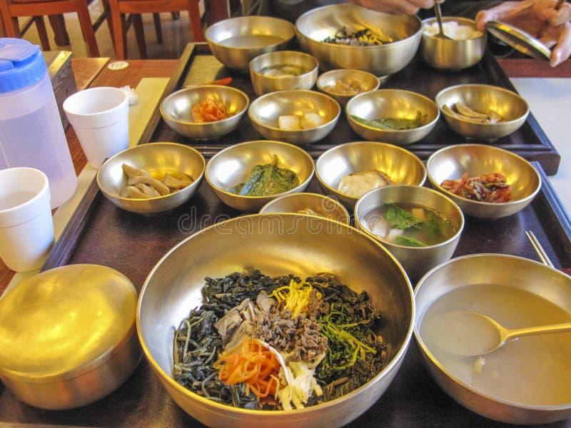 Bibimbap, tradycyjny Koreański naczynie zdjęcie royalty free