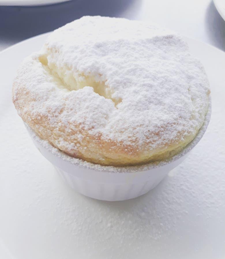 Bibingka蛋白牛奶酥 免版税库存图片