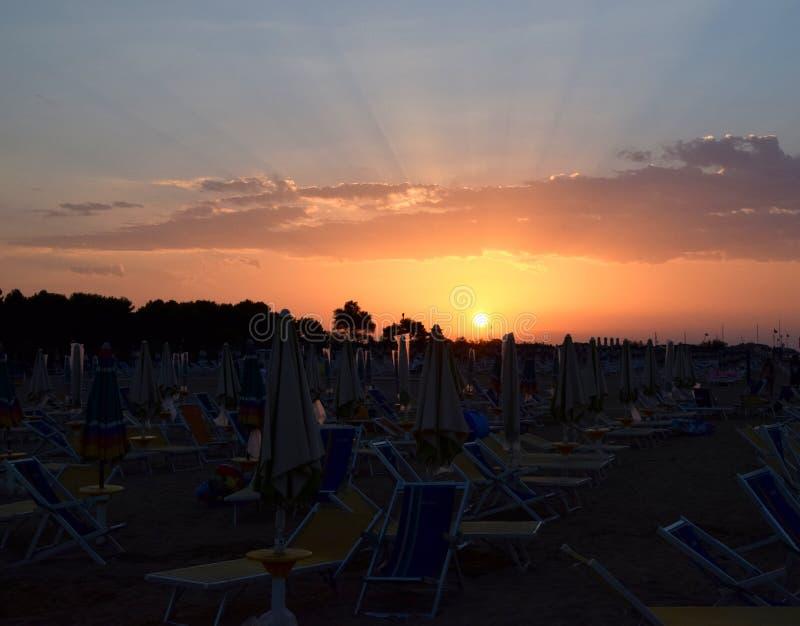 Bibione strand på morgonen, soluppgång, hav, Italien arkivbilder
