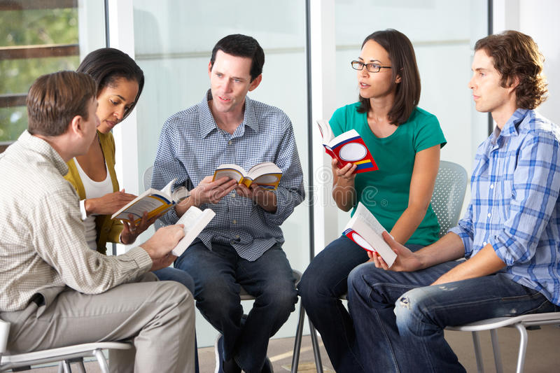 Bible Group Reading Together Royalty Free Stock Image