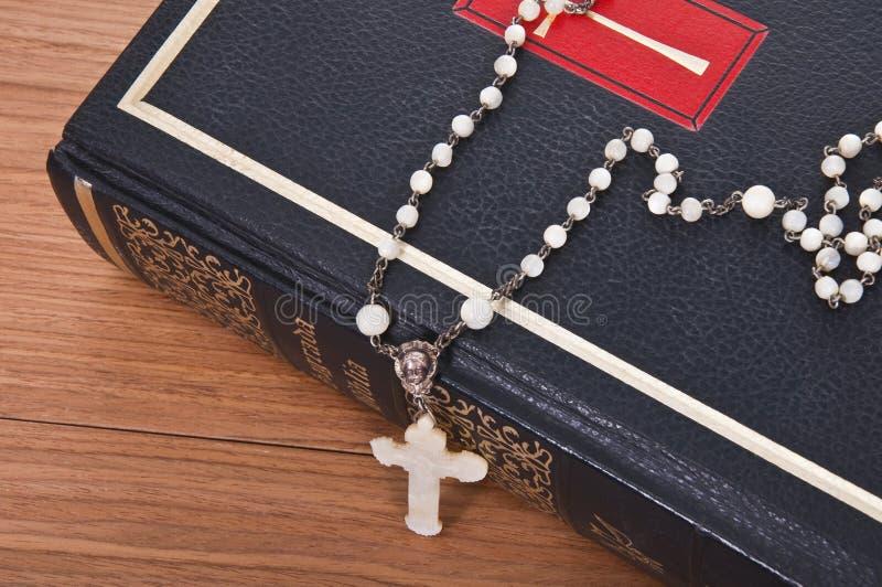 Download Biblia święta obraz stock. Obraz złożonej z chrześcijaństwo - 13332087