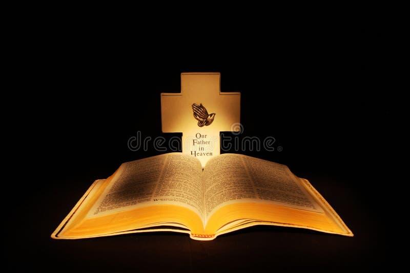 Biblia abierta fotografía de archivo