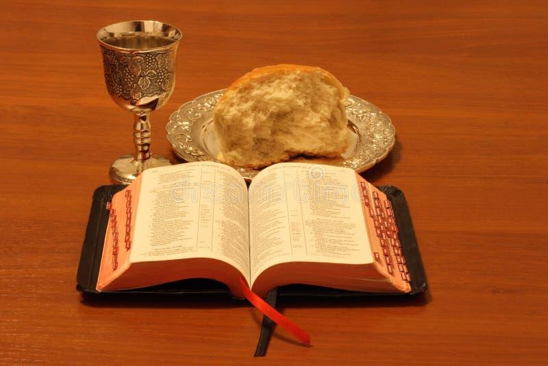 biblia chleba wino fotografia stock
