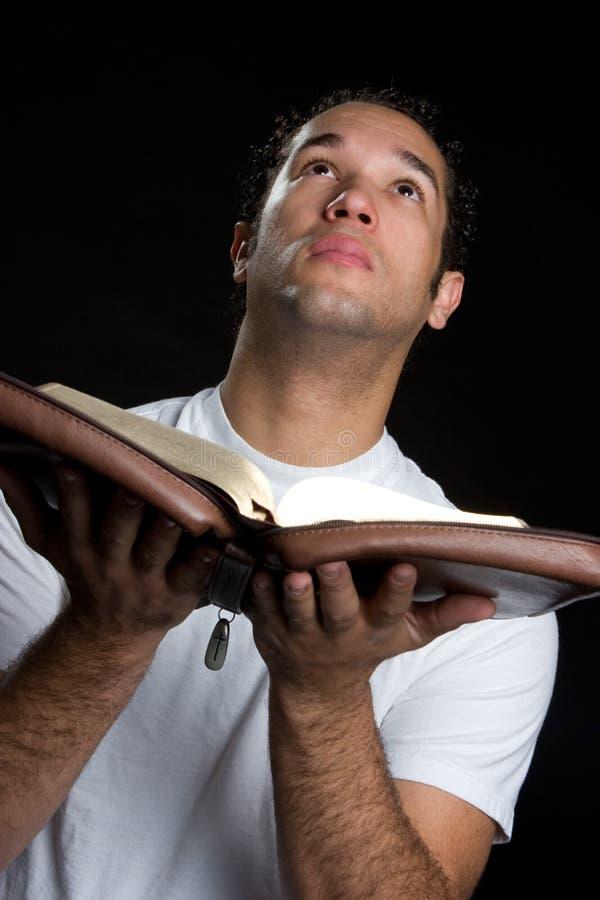 biblia mężczyzna zdjęcia royalty free