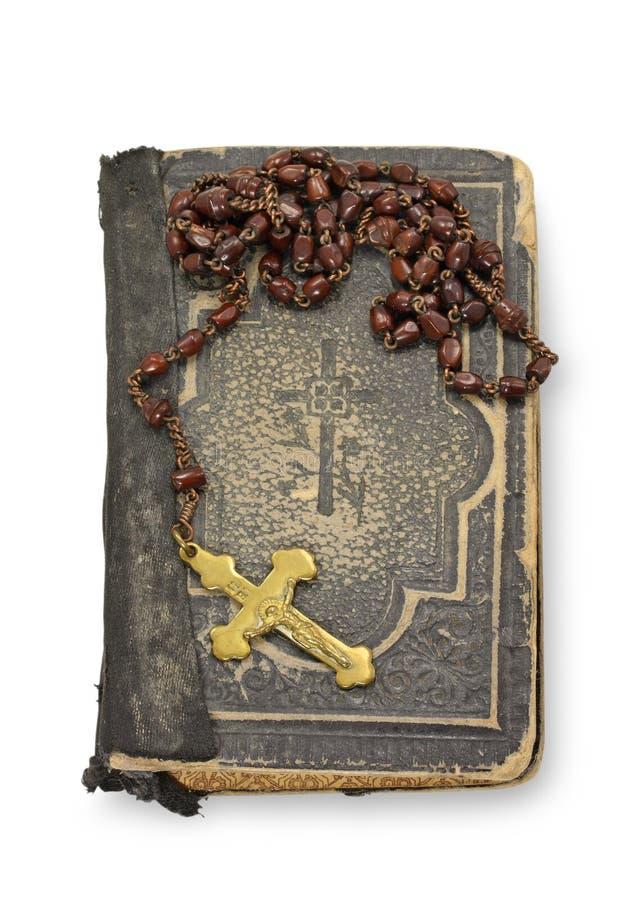 Biblia y rosario viejos foto de archivo libre de regalías