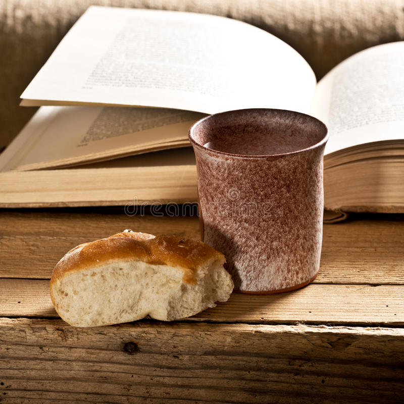 Biblia Z Chalice obraz royalty free