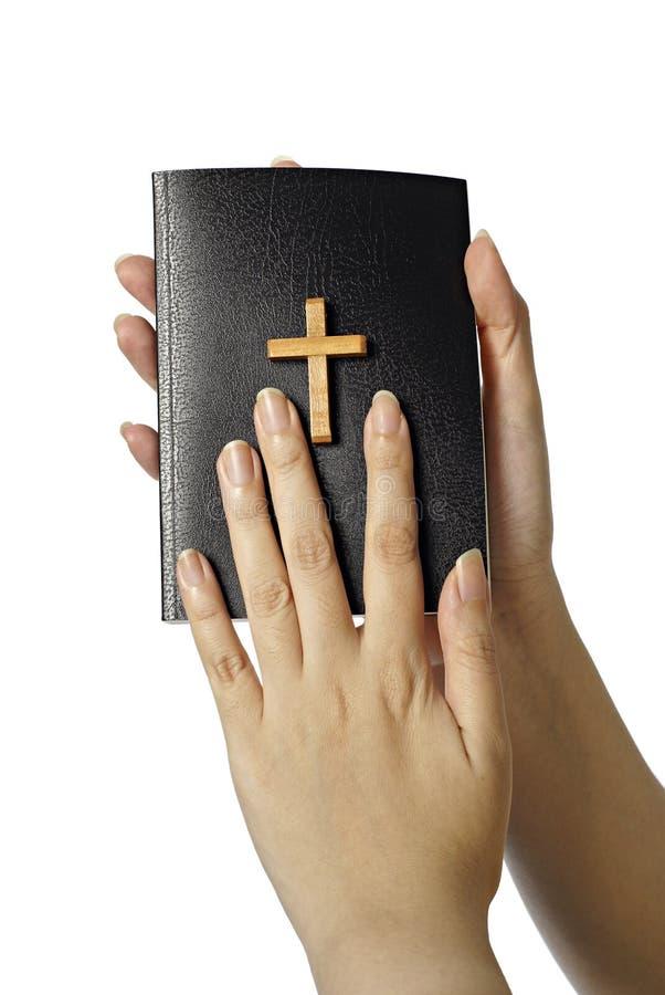 biblii kobieta wręcza mienia zdjęcie stock