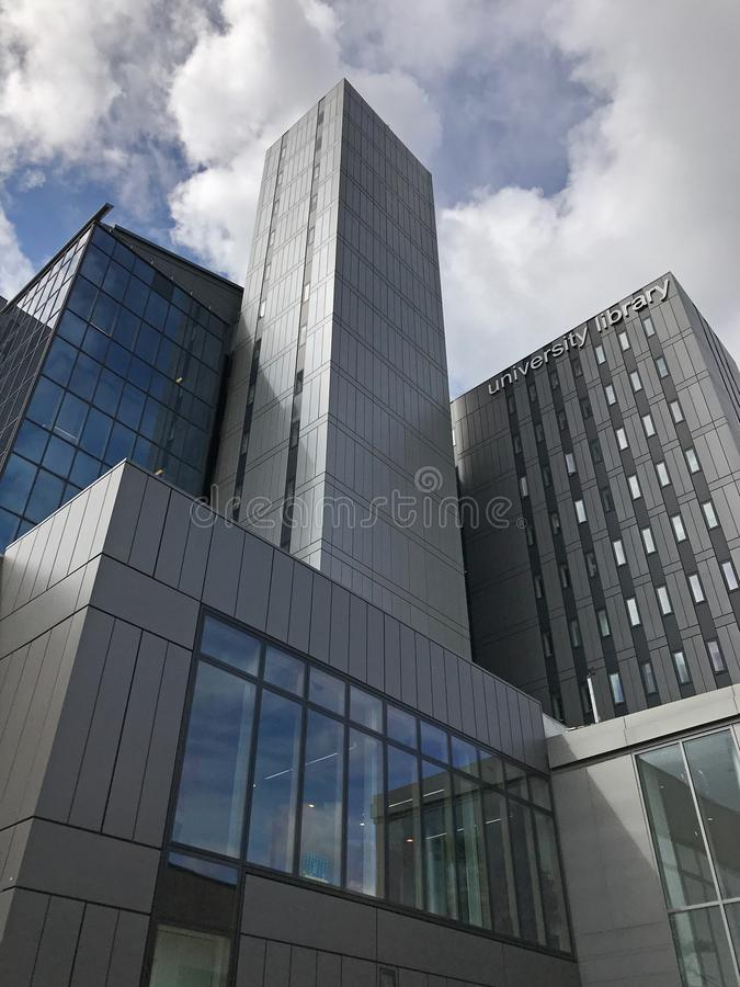 Biblioteca da universidade de Glasgow, Escócia durante um dia nebuloso foto de stock royalty free
