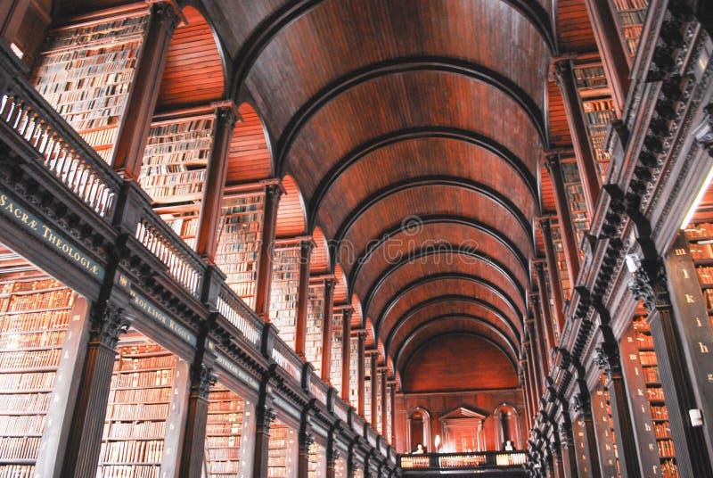 Biblioteca de faculdade da trindade imagem de stock royalty free