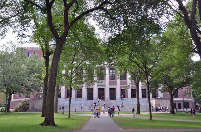Biblioteca de Widener en la vieja yarda de Harvard foto de archivo libre de regalías