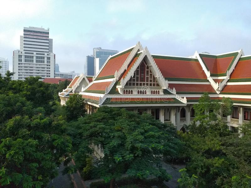 Biblioteca dell'Università Chulalongkorn, la più antica università della Thailandia immagini stock libere da diritti