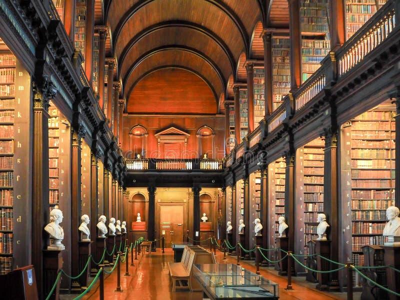 Biblioteca di Trinity College a Dublino fotografie stock