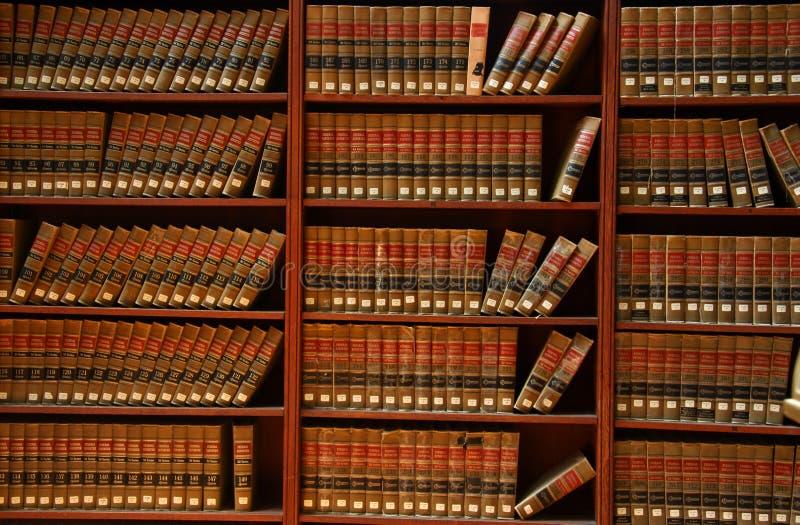 Biblioteca do livro de lei imagem de stock