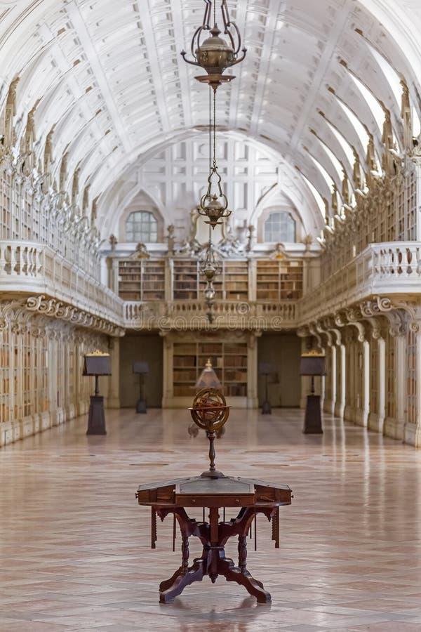 Biblioteca do palácio do nacional de Mafra fotos de stock royalty free