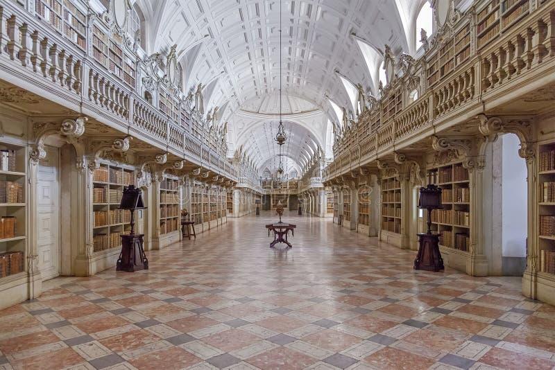 Biblioteca do palácio do nacional de Mafra fotografia de stock