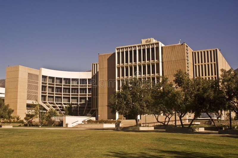 Biblioteca en CSU San Bernardino imagenes de archivo