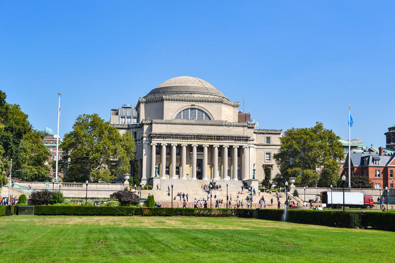 Biblioteca en el campus de Universidad de Columbia Nueva York fotos de archivo