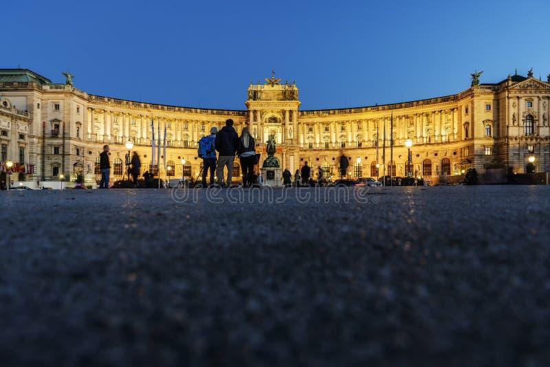 Biblioteca nacional iluminada Viena imagens de stock royalty free