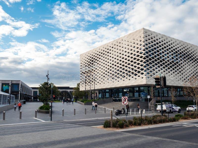 Biblioteca real, aprendizaje y centro cultural en Ringwood en los suburbios del este de Melbourne imagen de archivo