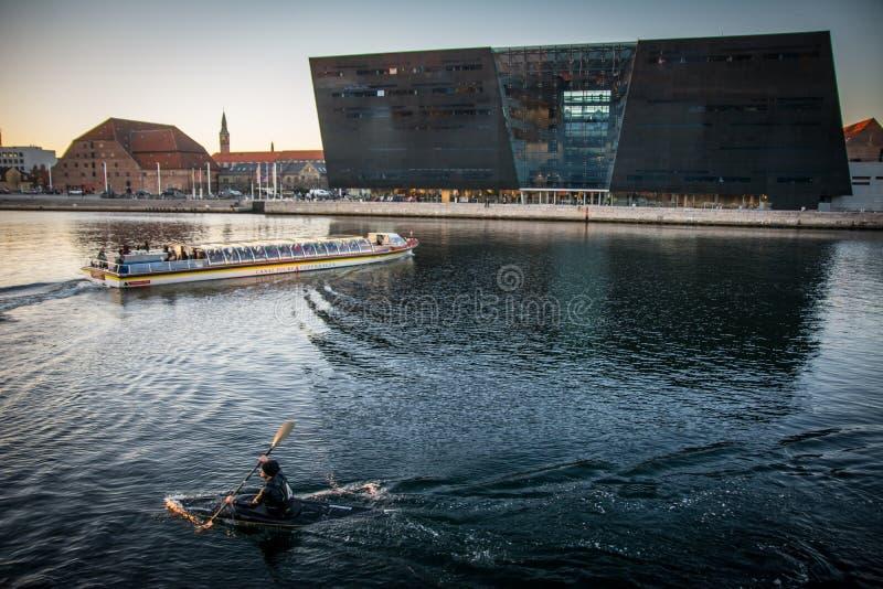 A biblioteca real no porto de Copenhaga dinamarca imagens de stock royalty free