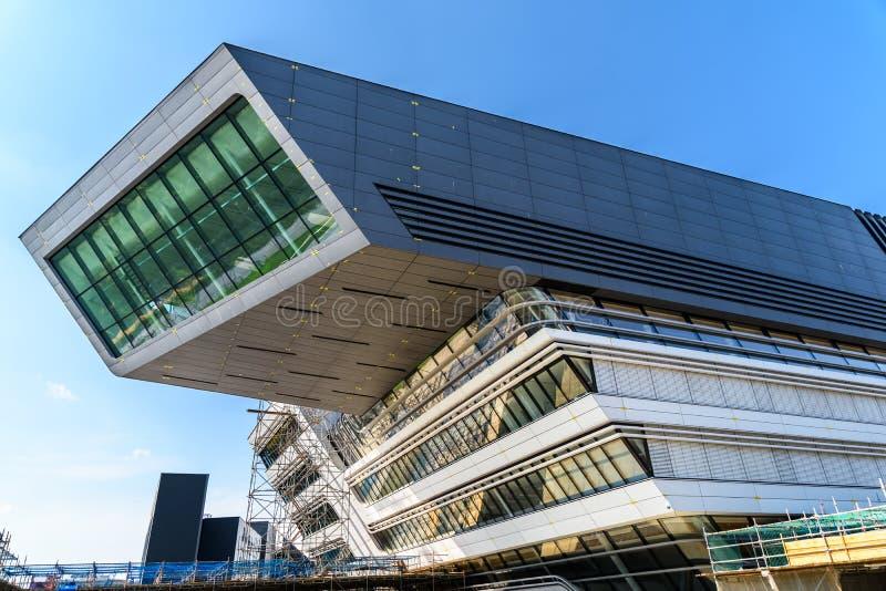 Biblioteca y centro de aprendizaje de Zaha Hadid Of Vienna University de la economía y del negocio fotos de archivo